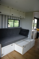 Houseboat Independent Mini
